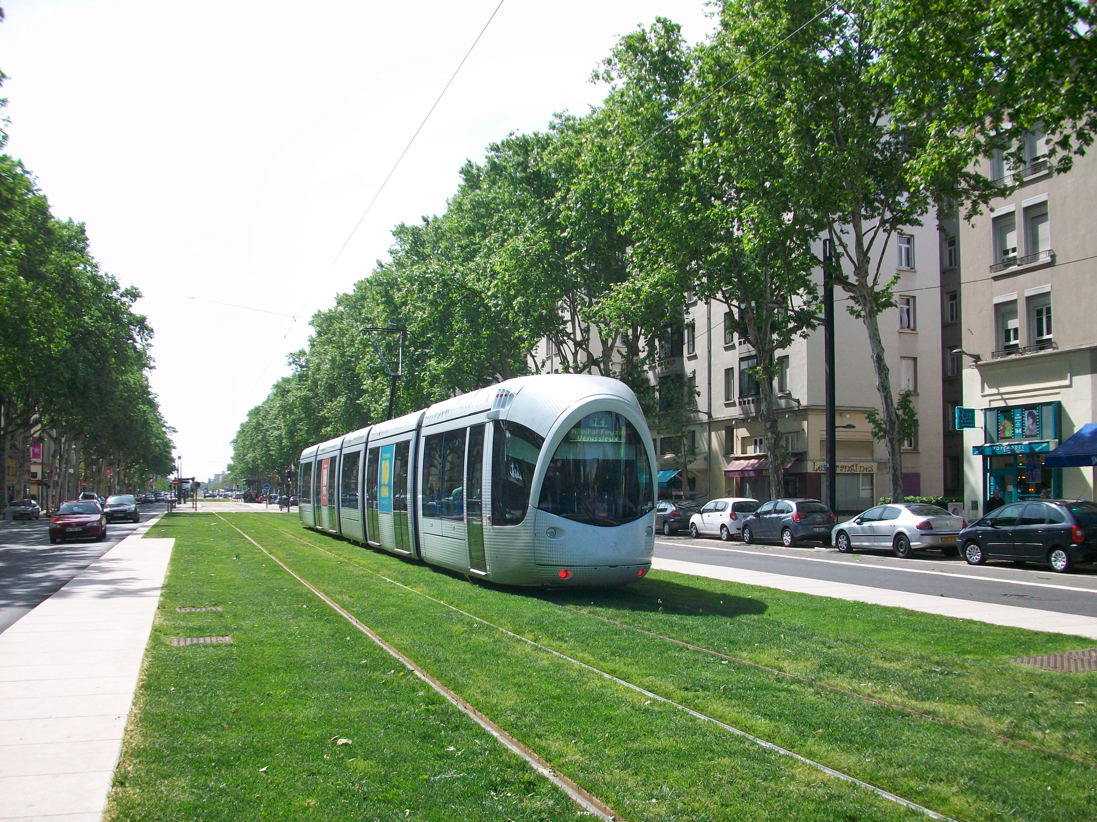 vigs r inventer le tramway quarante ann es de tcsp tramways et transports guid s en france. Black Bedroom Furniture Sets. Home Design Ideas